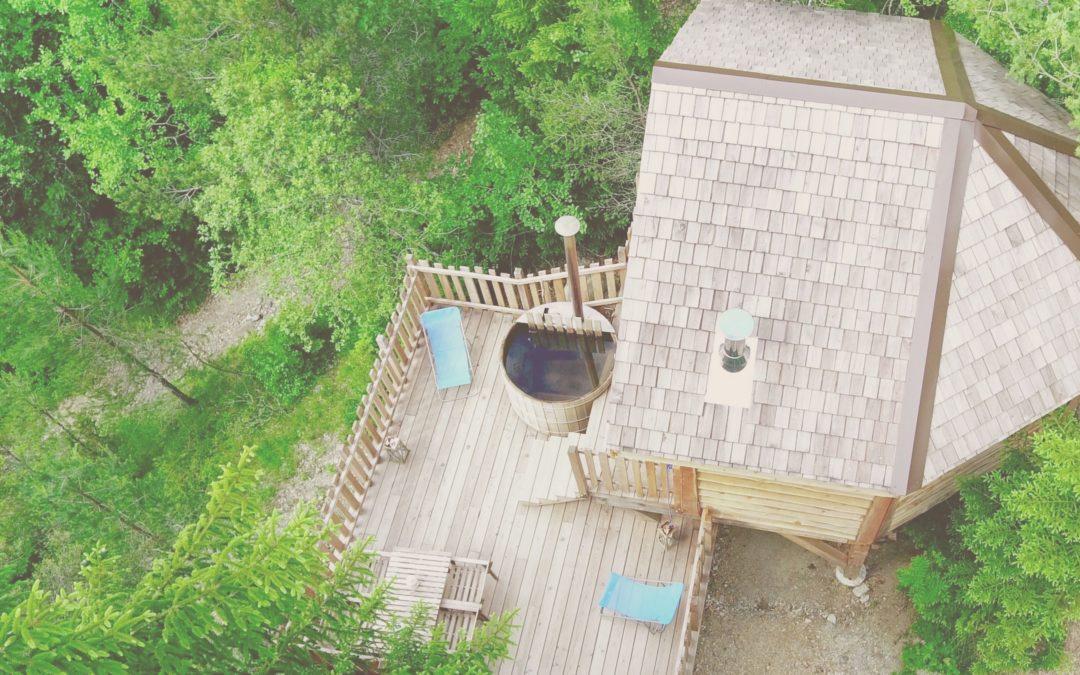Des cabanes perchées, en pleine forêt, dans le respect de la nature et de l'environnement : déconnexion assurée !